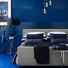 blue-monochromatic-bedroom.jpg
