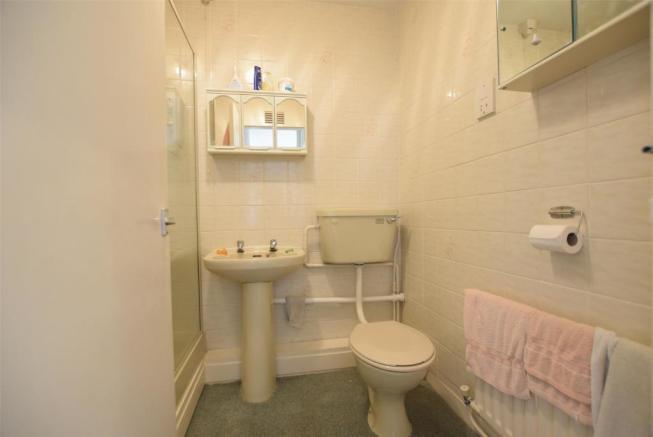 Original bathroom.jpg