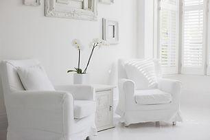Armchairsinelegantwhitelivingroom-5a1650