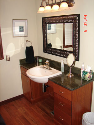 Accessible bathroom vanity