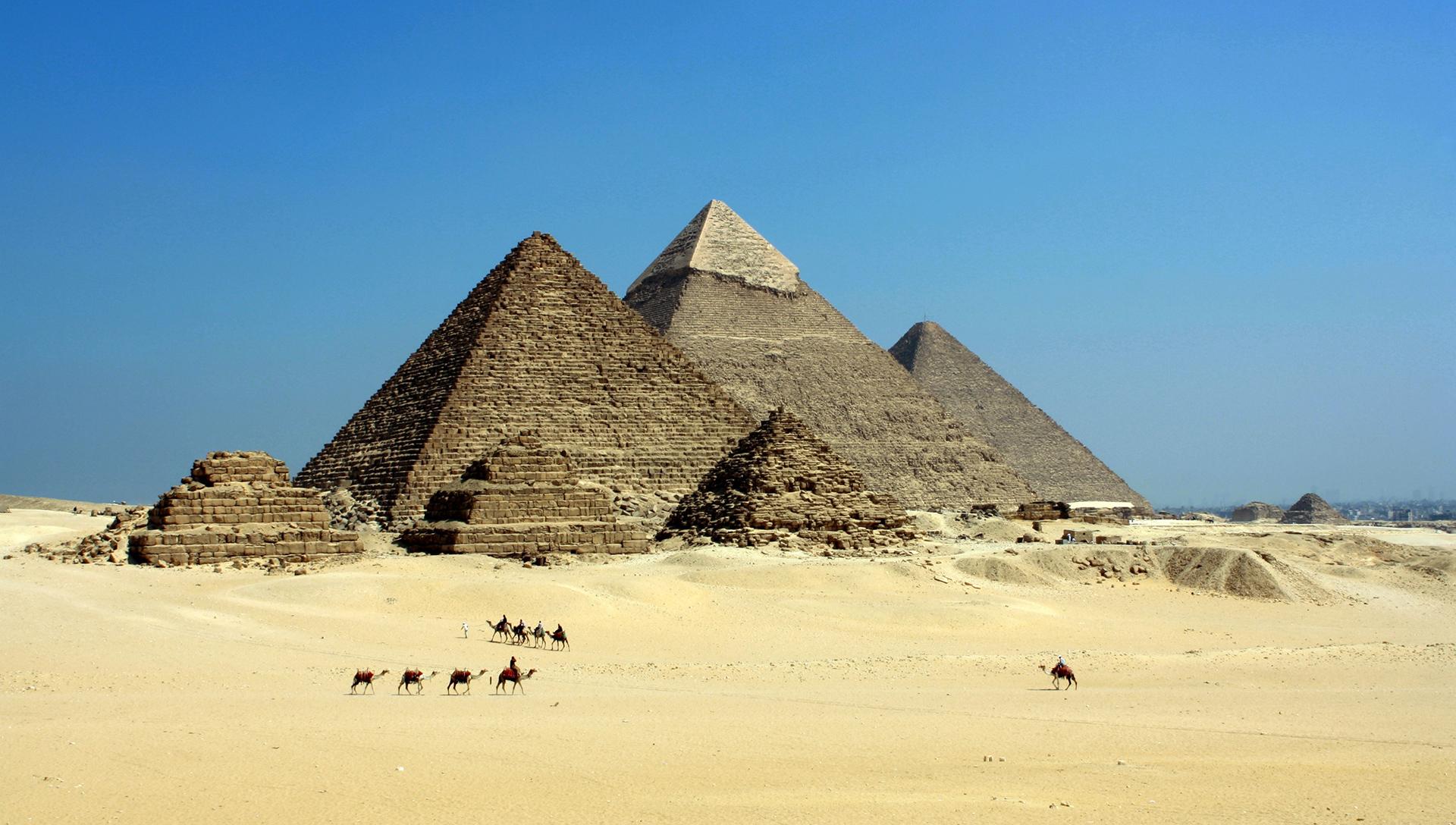 blue-sky-camels-desert-71241