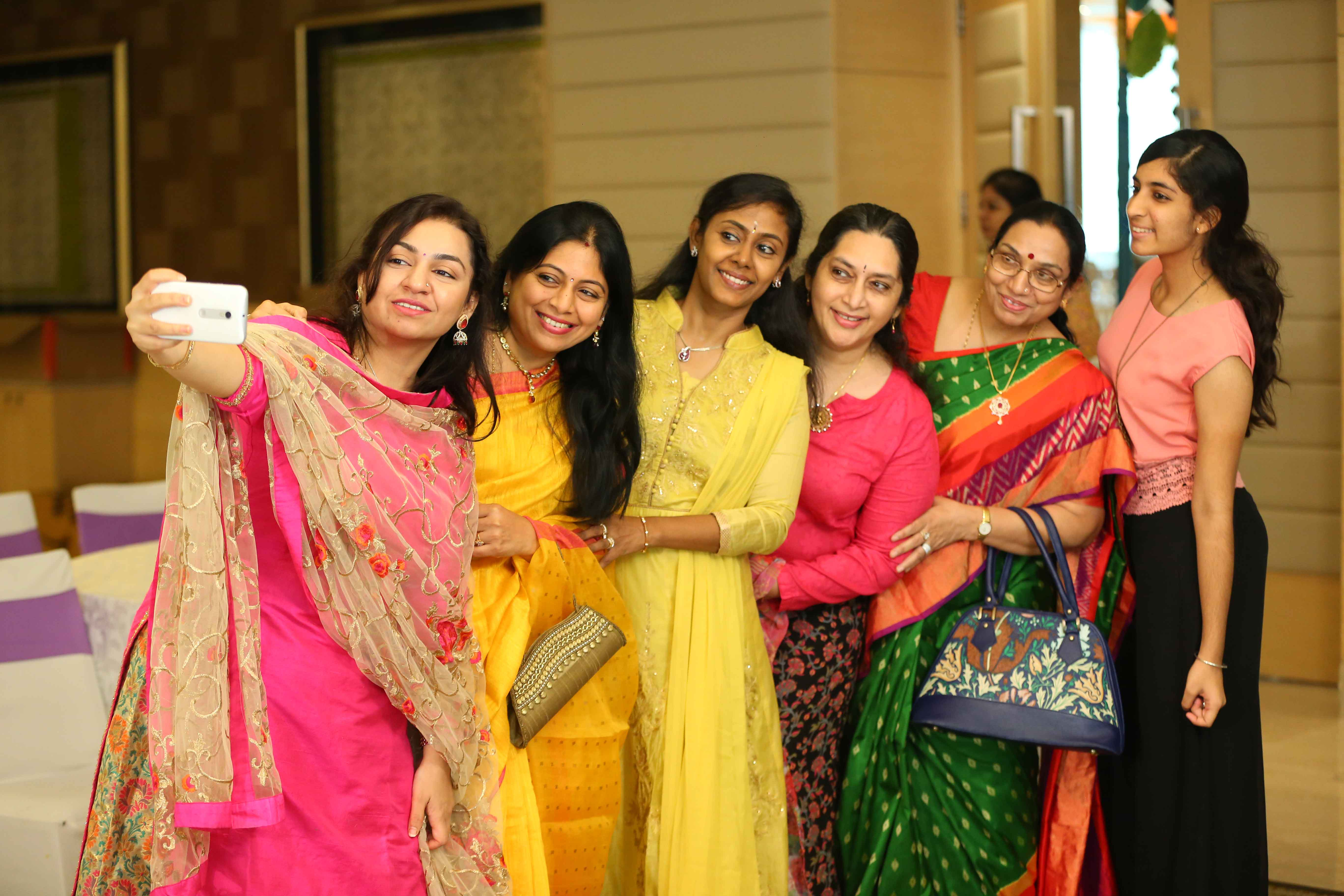 candid photographers chennai