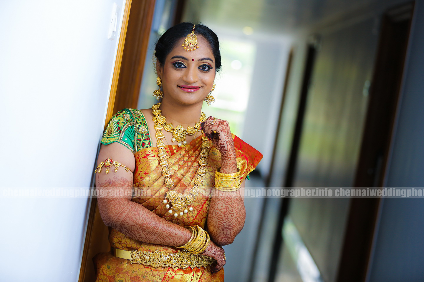 candid weddingphotographer in chenna
