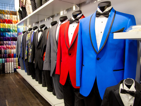 5 Questions to Ask When Wedding Suit Shopping
