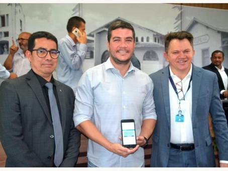 Benevides implanta plataforma inédita no Brasil para desburocratização
