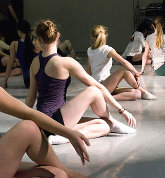 Moving-People-Dance-Class-2.jpg