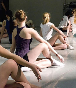 Moving-People-Dance-Class-2_edited.jpg