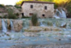 tuscany-3587073_1920.jpg