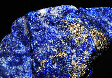 lapis-lazuli-gemstone-guide-jeffreyburro