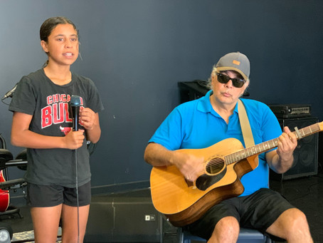 Disadvantaged youth shine bright under the direction of celebrated Tamworth Blues artist