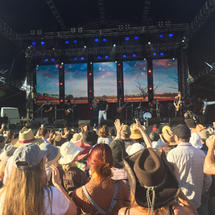 The Hay Mate Buy a Bale concert with Jon Stevens and crowd