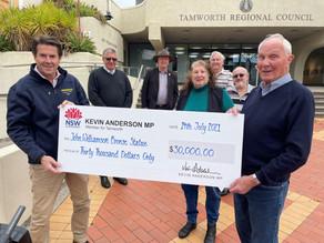 NSW Government Steps In To Make John Williamson Statue 'True Blue'.