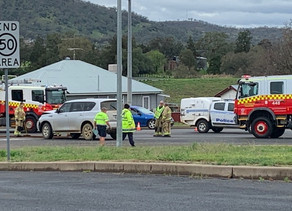 Two accidents in one morning, as drivers are urged to slow down in rainy weather