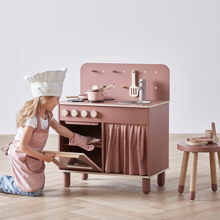 Nubie play kitchen