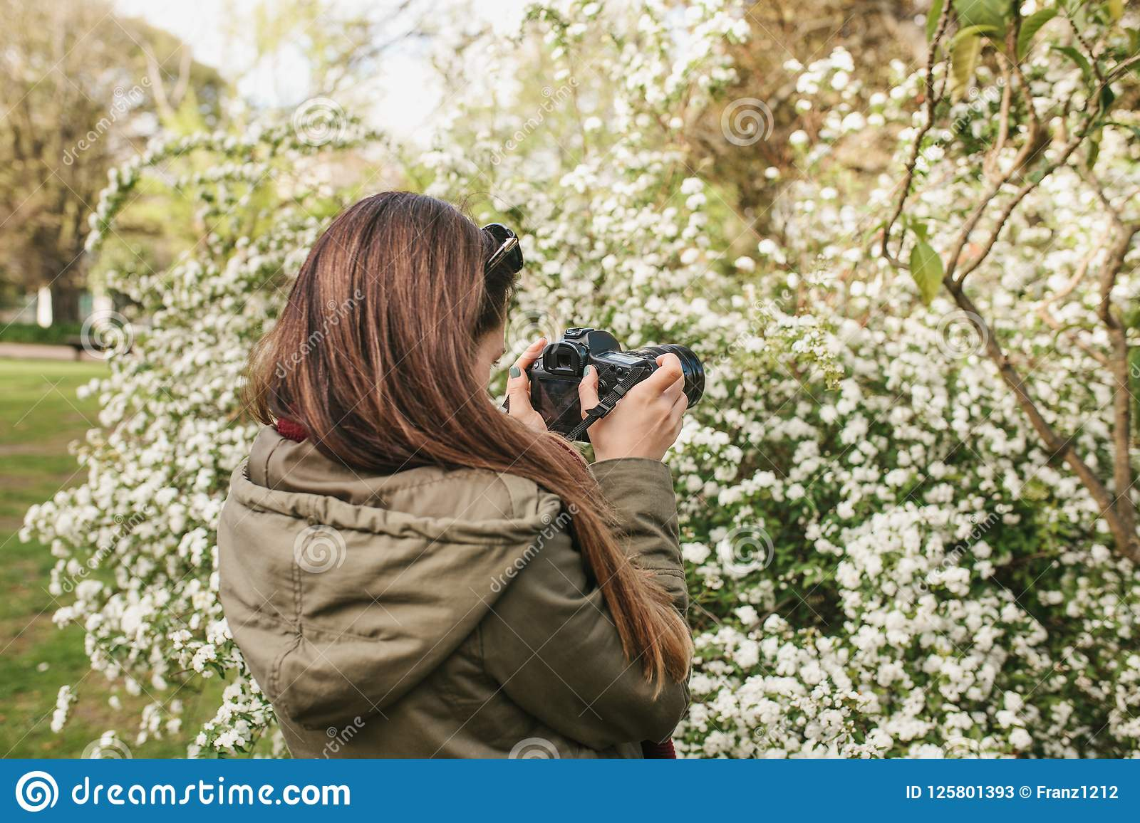 portrait-young-woman-photographer-touris