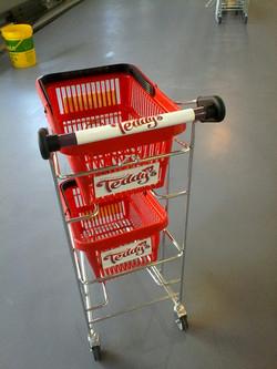 Trolley-branding at new Teddy's