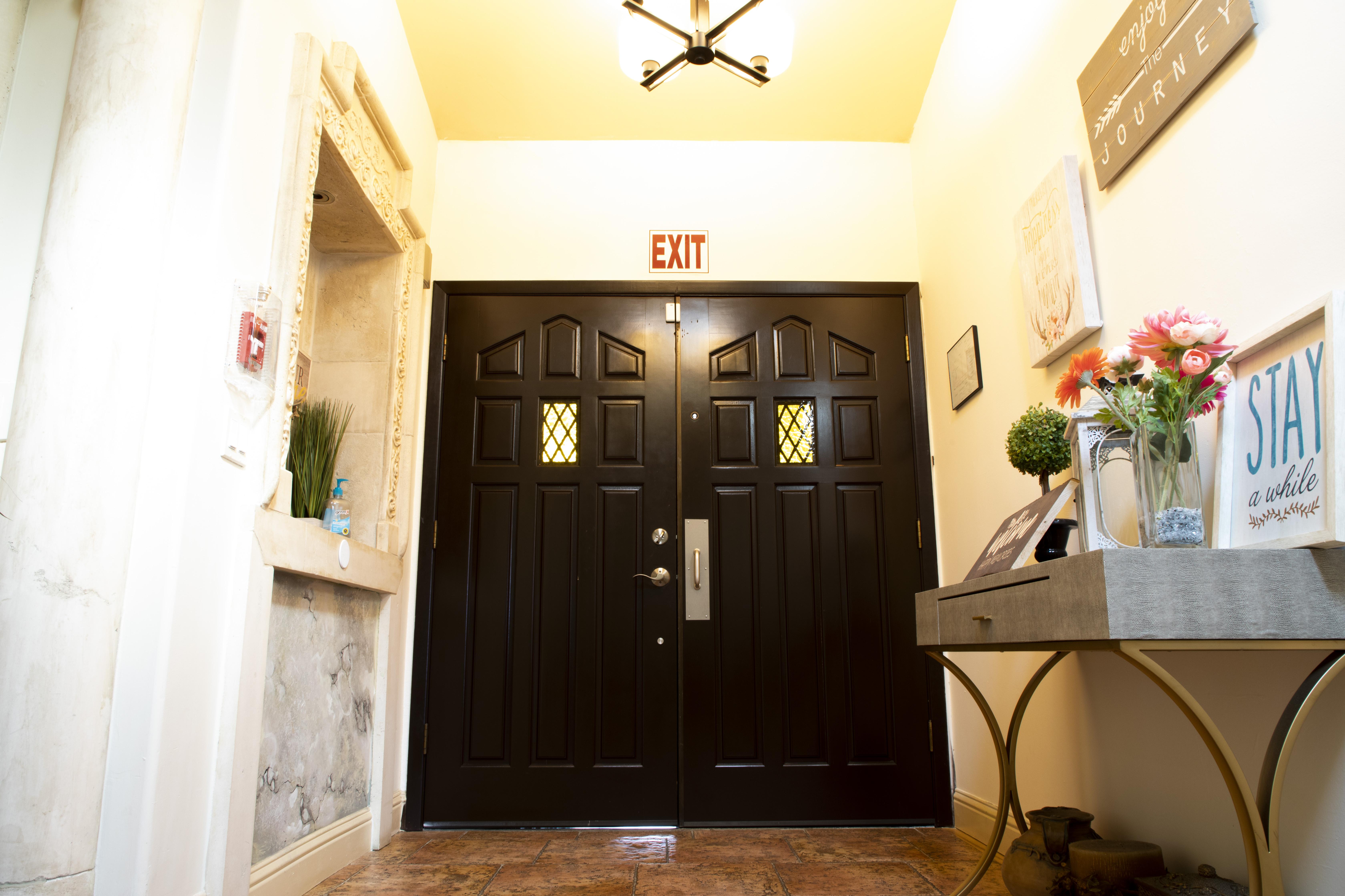 Front Door(Inside).jpg
