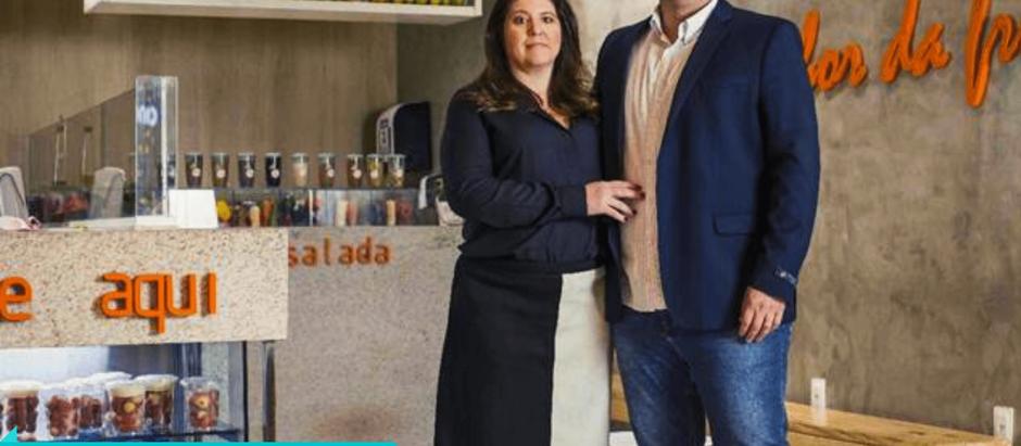Casal supera falência e transforma quiosque de sucos em franquia de alimentação natural