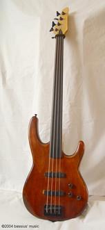 I built a bass