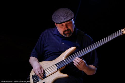 Gary Willis Bass