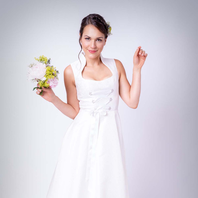 Hochzeitsdirndl Jasmin
