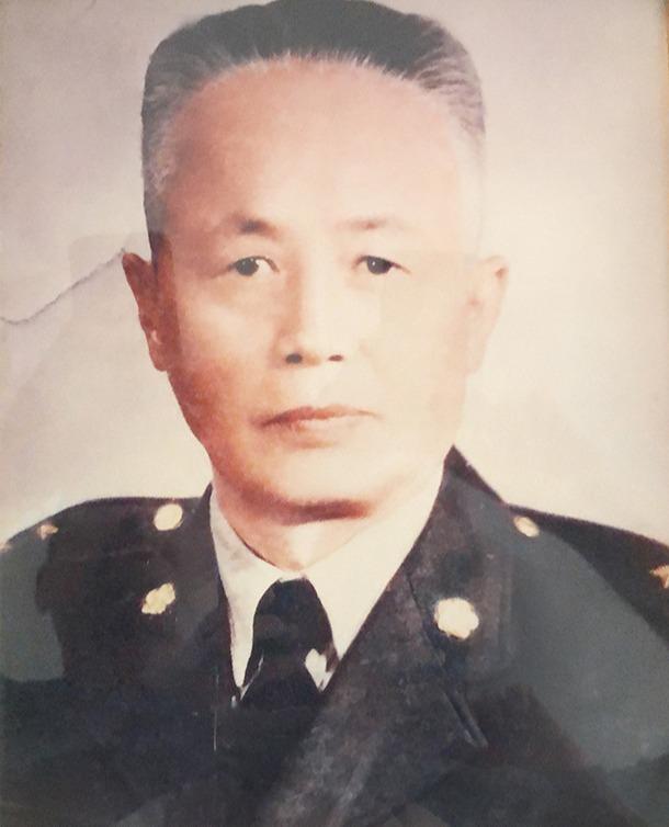Grandad: Zhan Zhongyan 詹忠言