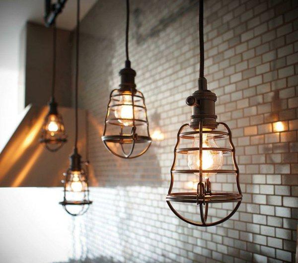 suspension-industrielle-les-lampes-cages-600x530