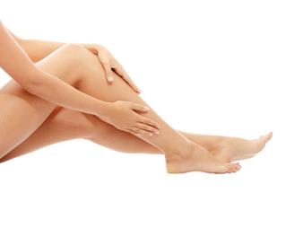 Beine- Dauerhafte Haarentfernung für glatte Beine