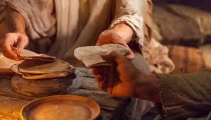 Jésus romp le pain d'une manière qui lui est propre I Kaléidoscope La Femme En Harmonie I Blégny I Karidja