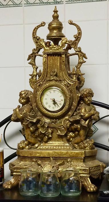 MetrOasis Baden Baden Esthetician Room Clock