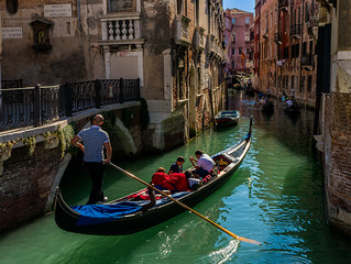 Gondola - Things We Learn While Traveling #4