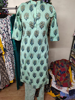 Rich cotton lace design closed neck kurti set