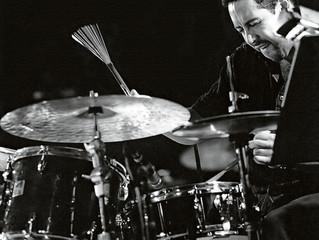 En la batería...? Antonio Sánchez!!!