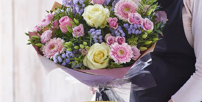Florist Choice - Hand Tied - Pastels - Large