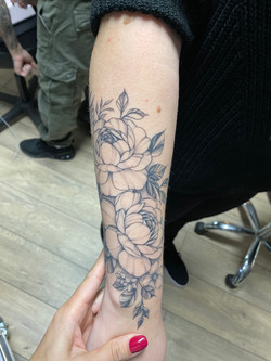 composition pivoines tattoo