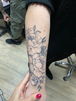 composition pivoines tattoo