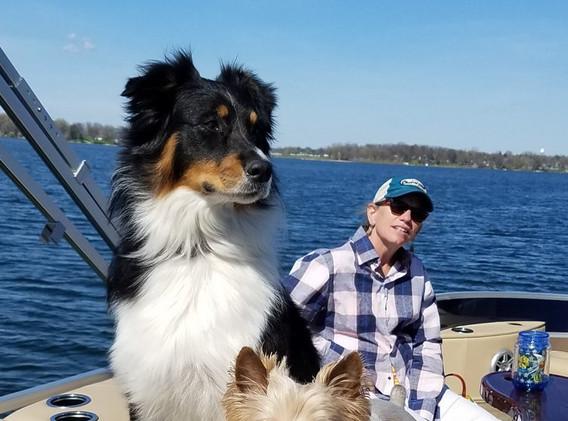 lori+boat+dogs.jpg