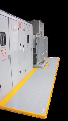 Subestación con piso modular aislante instalado