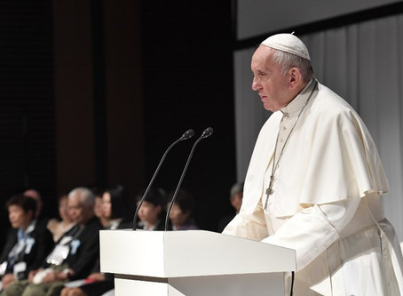 End global 'climate of distrust,' Pope warns world leaders