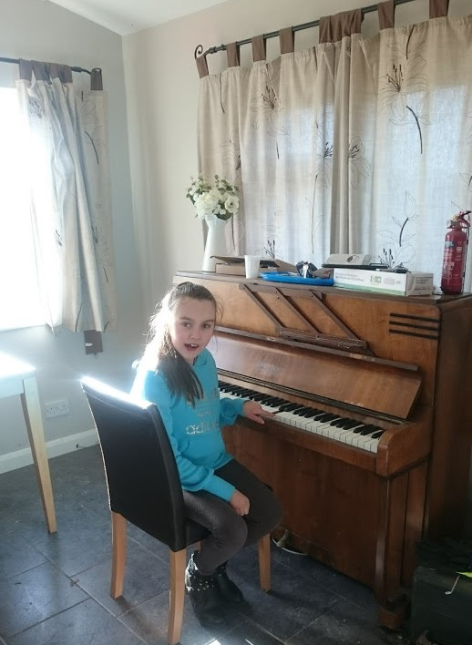 A quick piano break on MIH's piano...wel