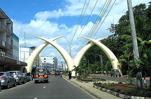 mombasa_safari_sense_tusks.jpg
