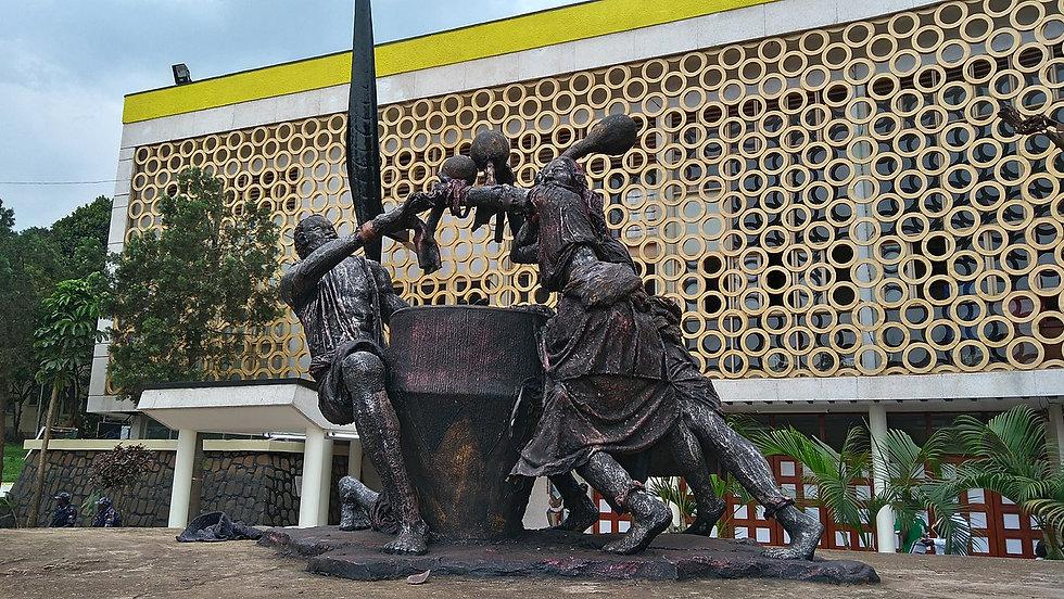 1280px-Monument_at_Uganda_Museum.jpg