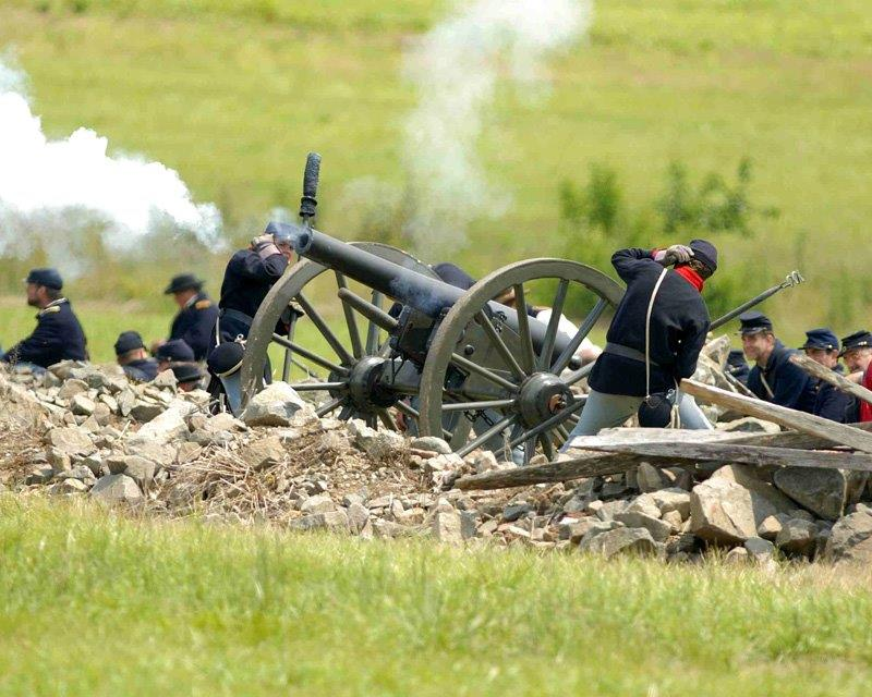 gettysburg-attractions-battle-re-enactment-full