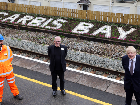 Prime Minister's delight as Carbis Bay station sign returned to former glory