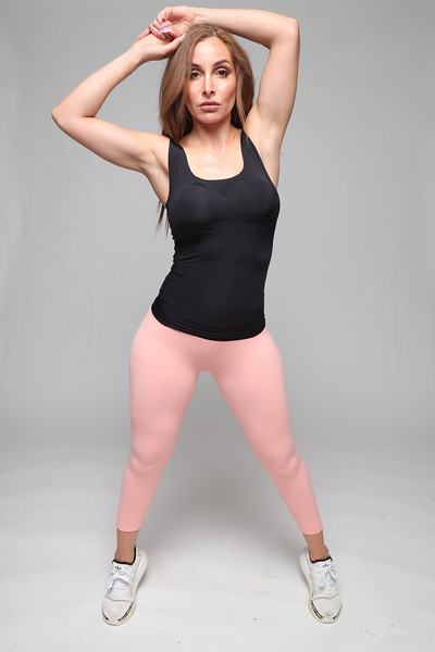 black tank and pink leggings 1