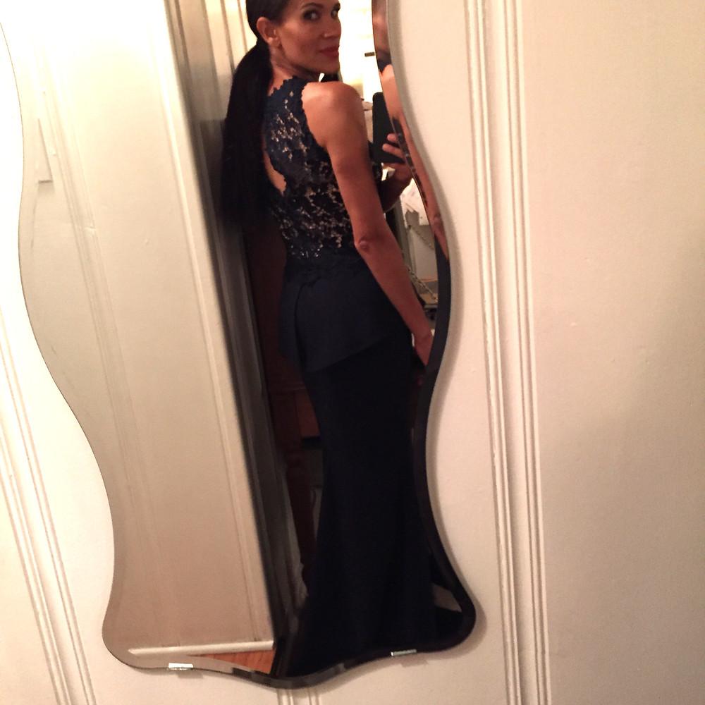 Amanda Luttrell Garrigus Oscars selfie rear view 1.JPG