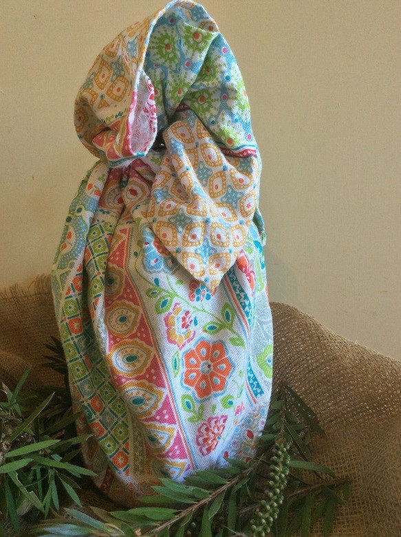 Emubob gift wrapping with tea towel