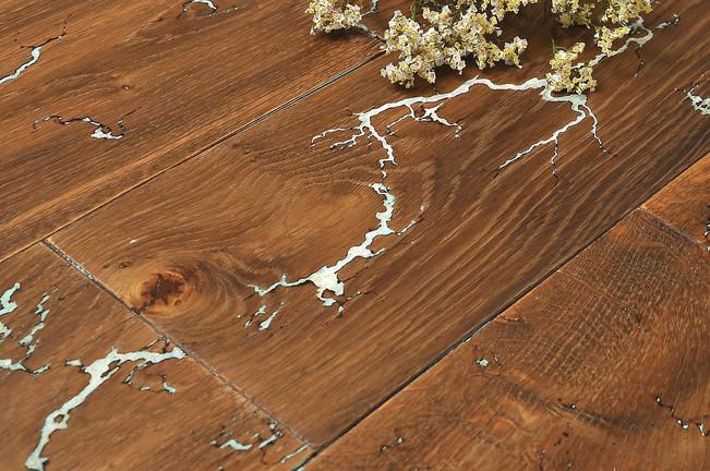 Дуб Тесла, TOUCH wood