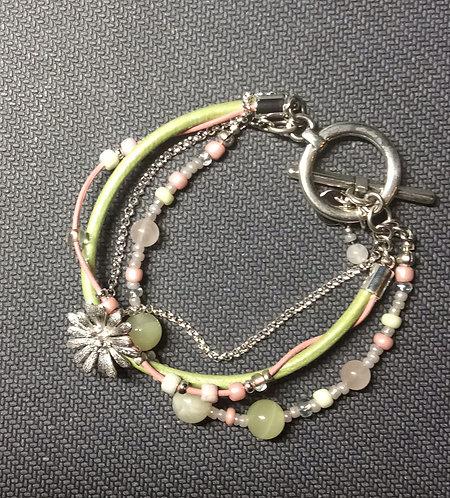 Armband im Landhausstil in rosa-grün