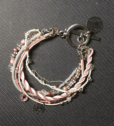 Zartes Multi-Strang-Armband in rosa